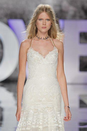 YolanCris-weddingdress-bride-boho-chic-folk-wedding-dress-coutur