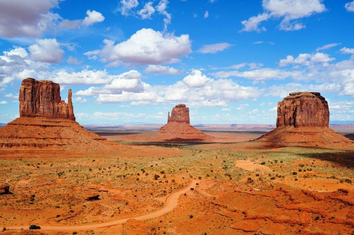 monument valley-1536288_1280