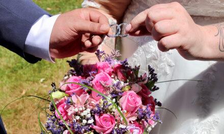 Ens casem!…És el nostre moment!